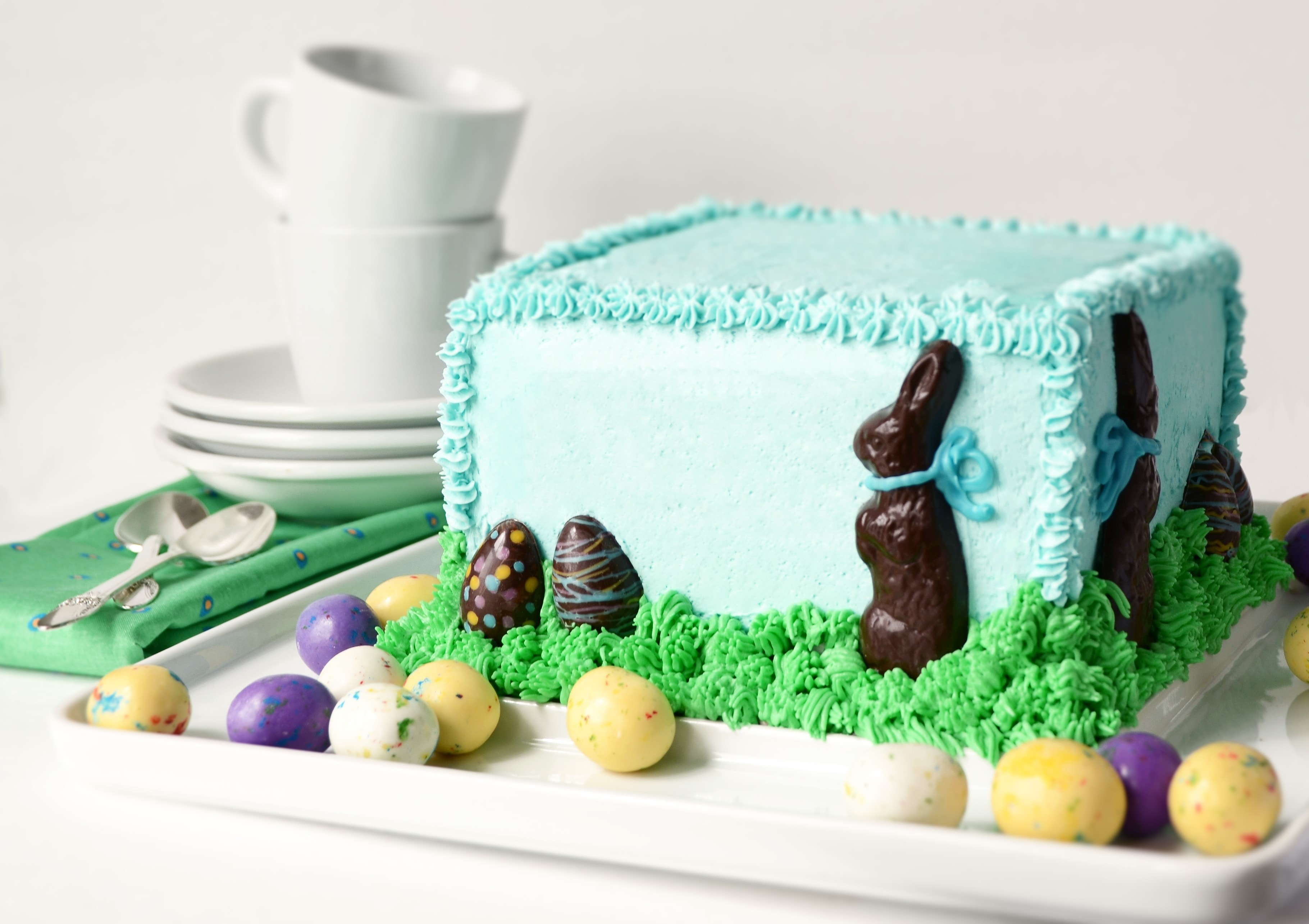 Who doesn't love the Easter Bunny? Make this hippity-hoppity cake from scratch for your Easter celebration! impress the most discerning Easter guest.   vintagekitty.com