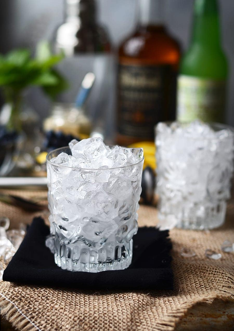 Glass of ice Web - Blueberry Whiskey Buck