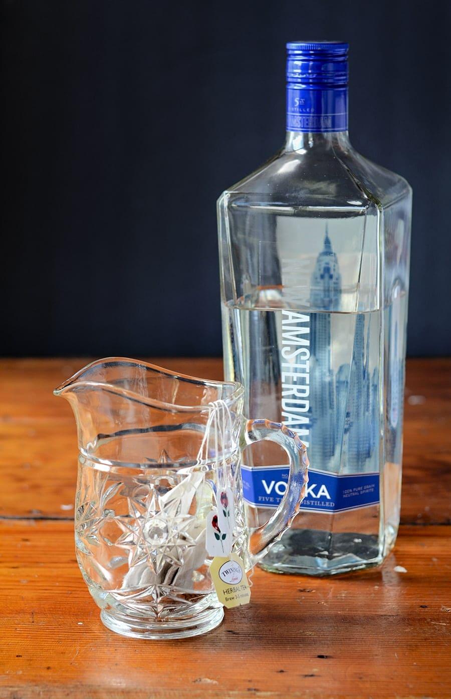Making Tea Vodka Web - Skinny Iced Tea Cocktail </br>with Homemade Unsweetened Tea Vodka
