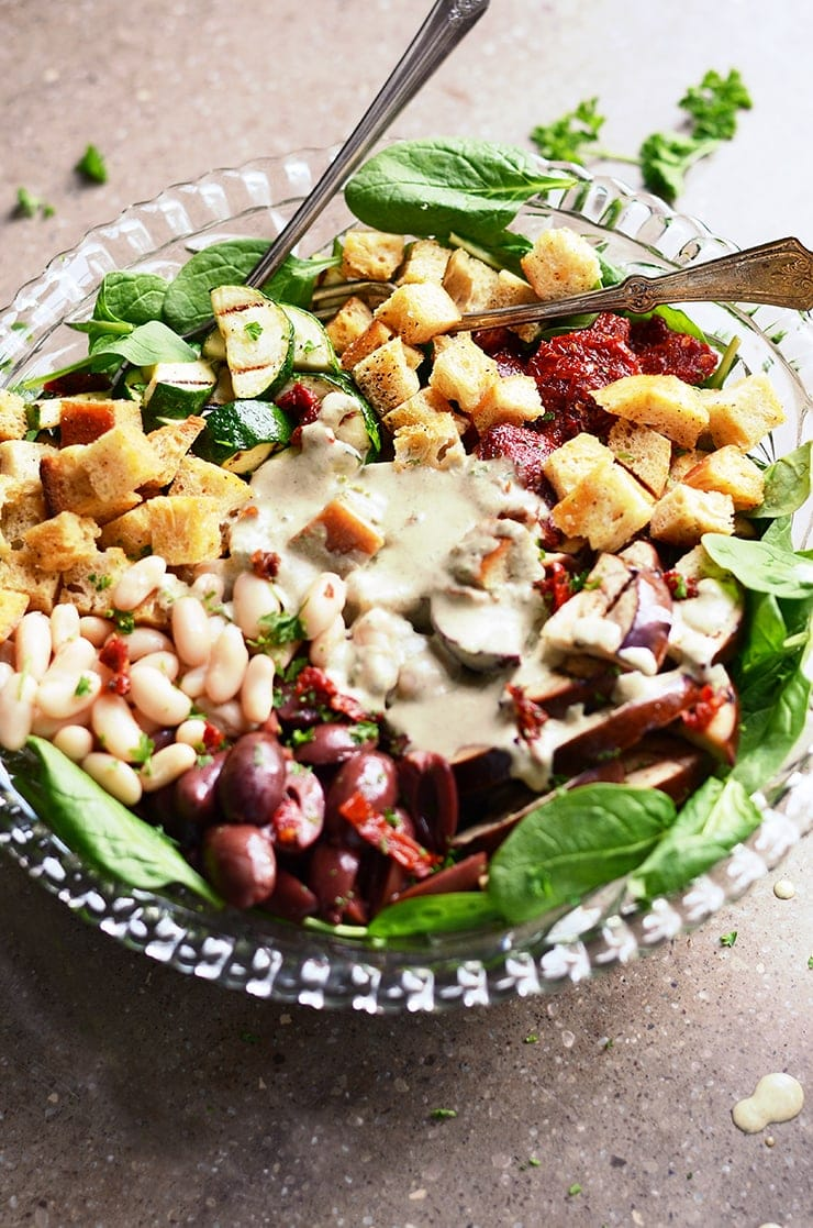 Italian Salad with Creamy Italian Dressing Web - Italian Power Salad with White Beans,</br> Sun-dried Tomatoes and Creamy Italian Salad Dressing