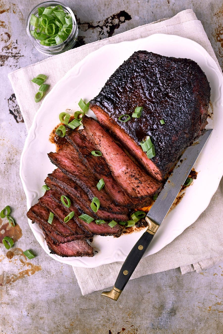 No marinating required! Cheap eats meets gourmet dry rub in this easy London broil recipe. It cooks in under 30 minutes and is stellar as a dinner main dish.
