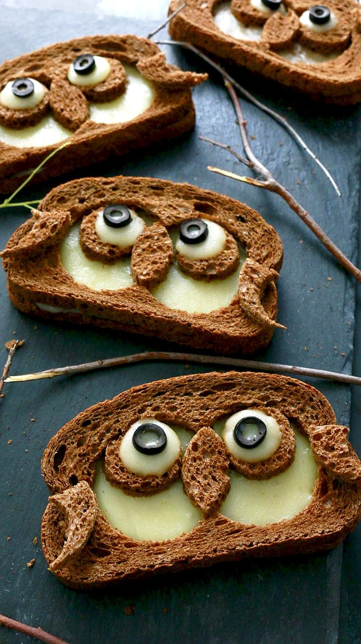 Owl Grilled Cheese Sandwiches- Ghoulishly Good! #Halloween Party Recipes and Ideas