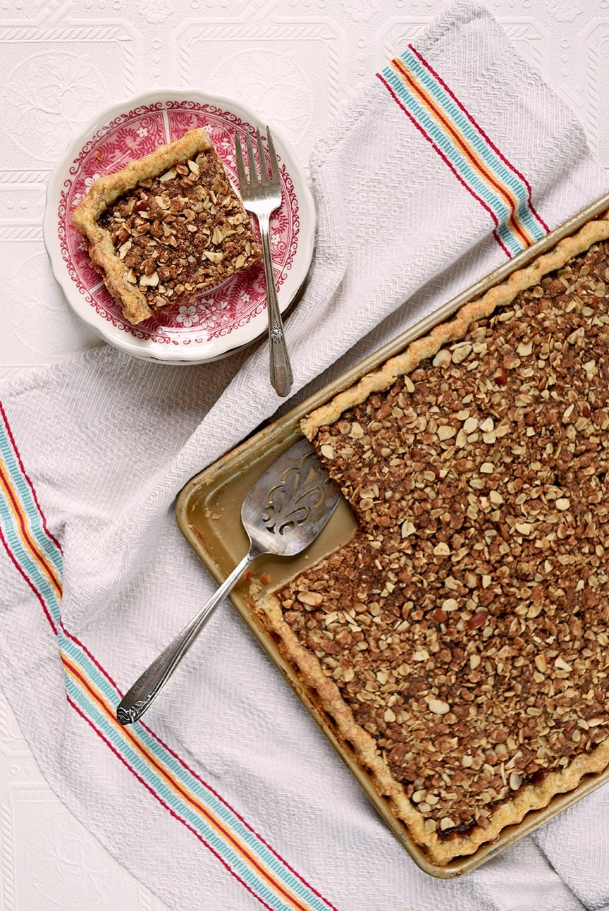 Apple Butter Crumb Slab Pie 5785 Web 2 - Apple Slab Pie with Crumb Topping and Cinnamon Pie Crust