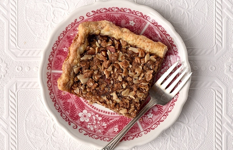 Apple Butter Crumb Slab Pie 5947 Slider - Apple Slab Pie with Crumb Topping and Cinnamon Pie Crust