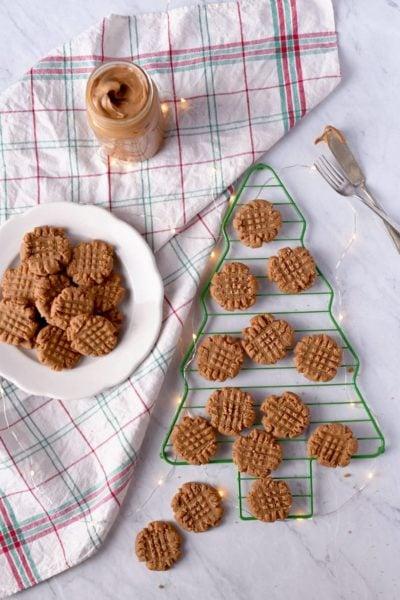 Vegan Peanut Butter Cookies 7264 Web 4 400x600 - Vegan Peanut Butter Cookies- Crispy Outside, Chewy Inside!