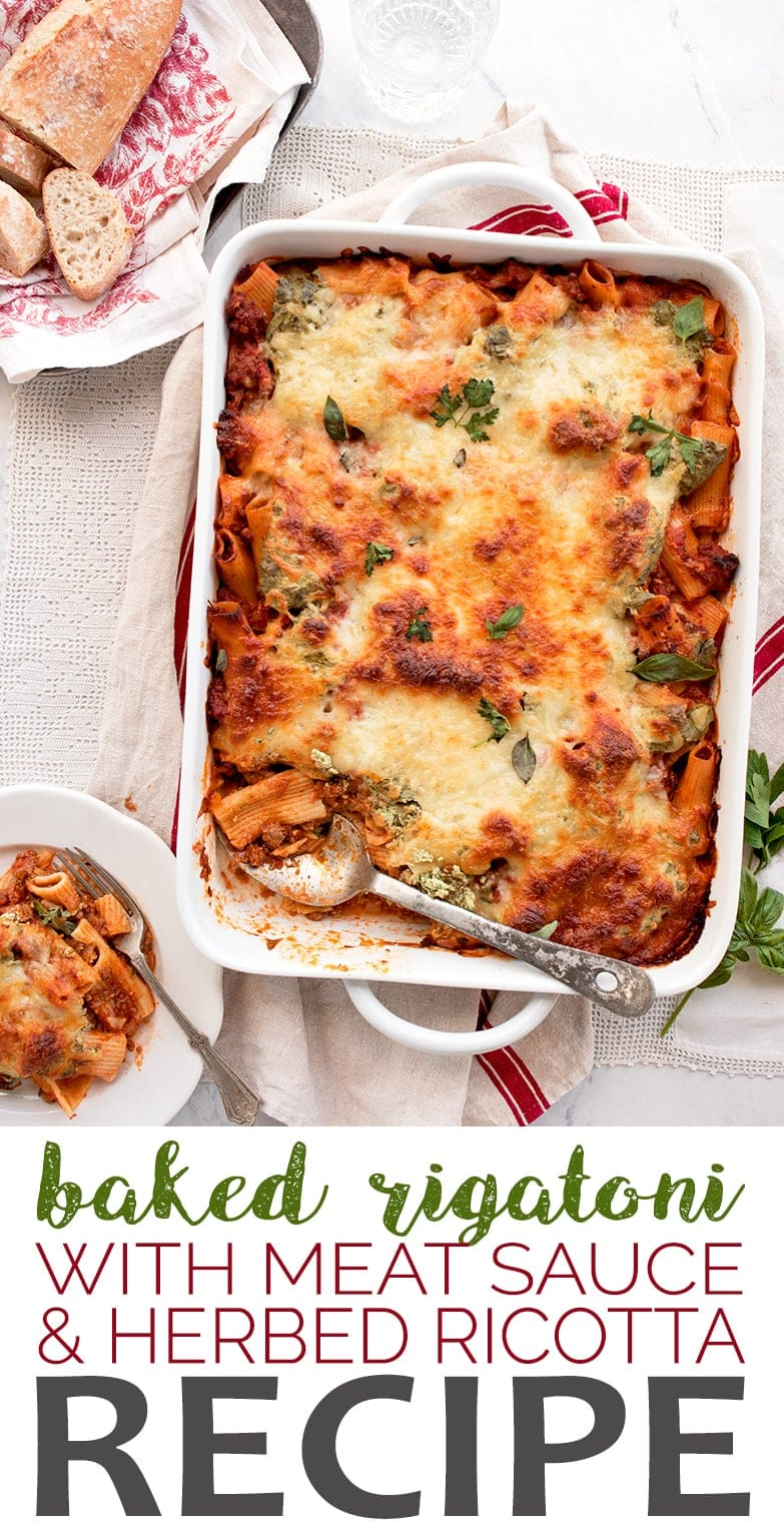 This baked rigatoni layered with herbed ricotta and meaty marinara sauce is a dinner casserole worthy of sharing! #bakedrigatoni #rigatonibake #pasta #myvintagerecipe #casserole #italianfood #dinnerideas