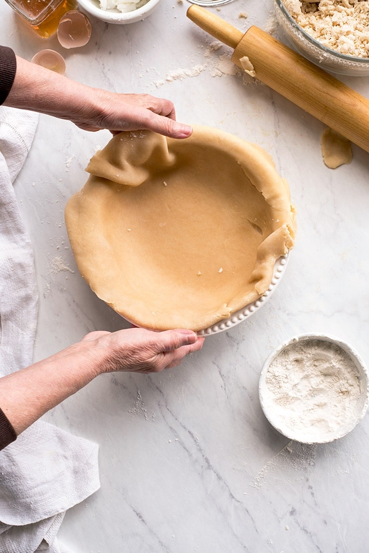shaping pie crust