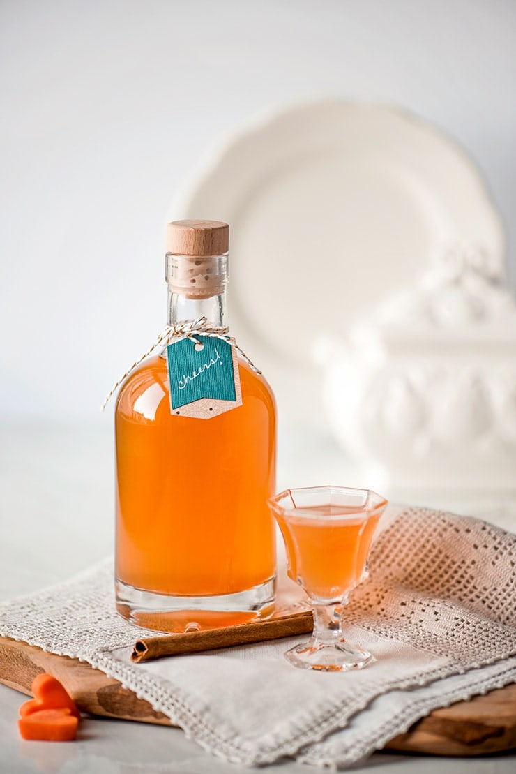 Carrot Cake Liqueur 7036 composite 2 Web - Unique Foodie Gifts Made in America