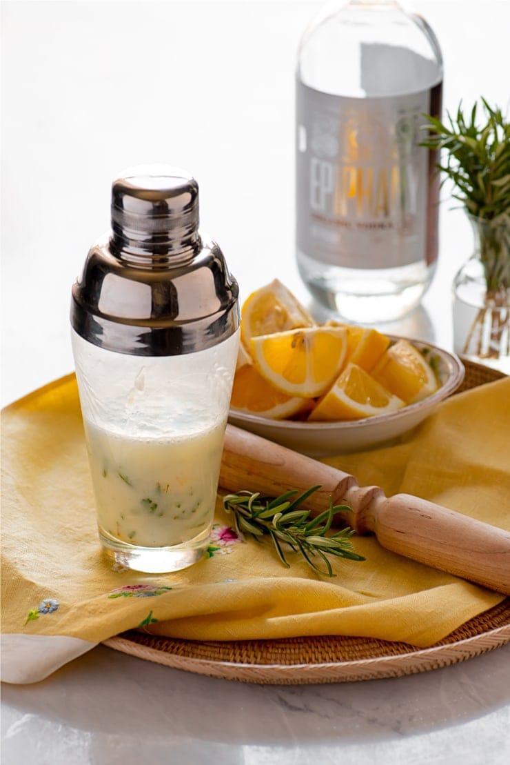 Rosemary Lemon Vodka Fizz 4933 Web - Rosemary Lemon Vodka Fizz