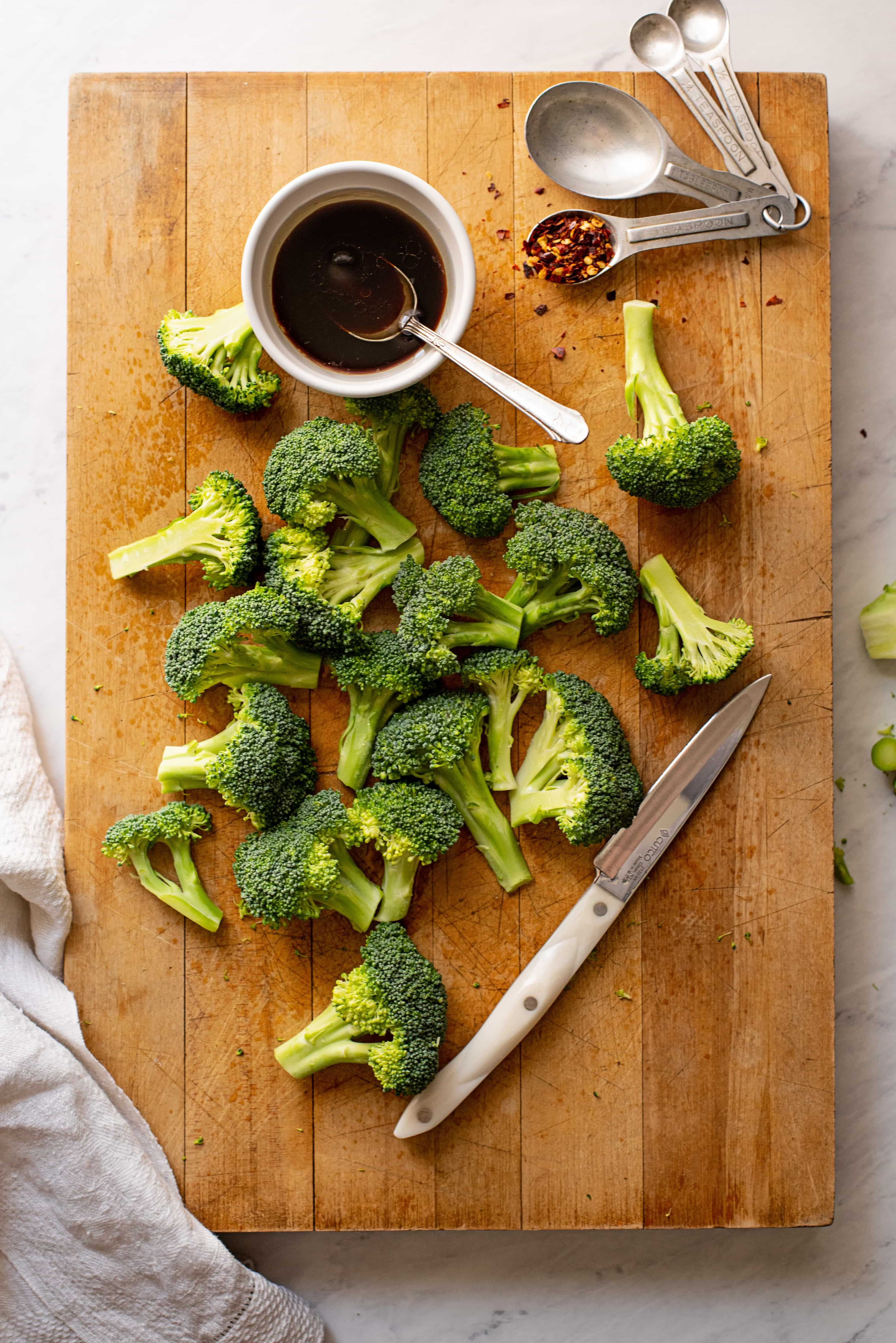 Roasted Broccoli with Peanut Noodles 6050 1 4000x5992 - Roasted Broccoli with Peanut Noodles