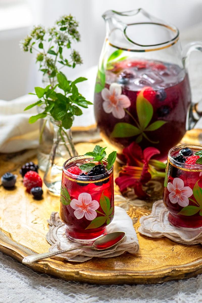 Berry Iced Tea 7975 800px - The Best Homemade Berry Iced Tea