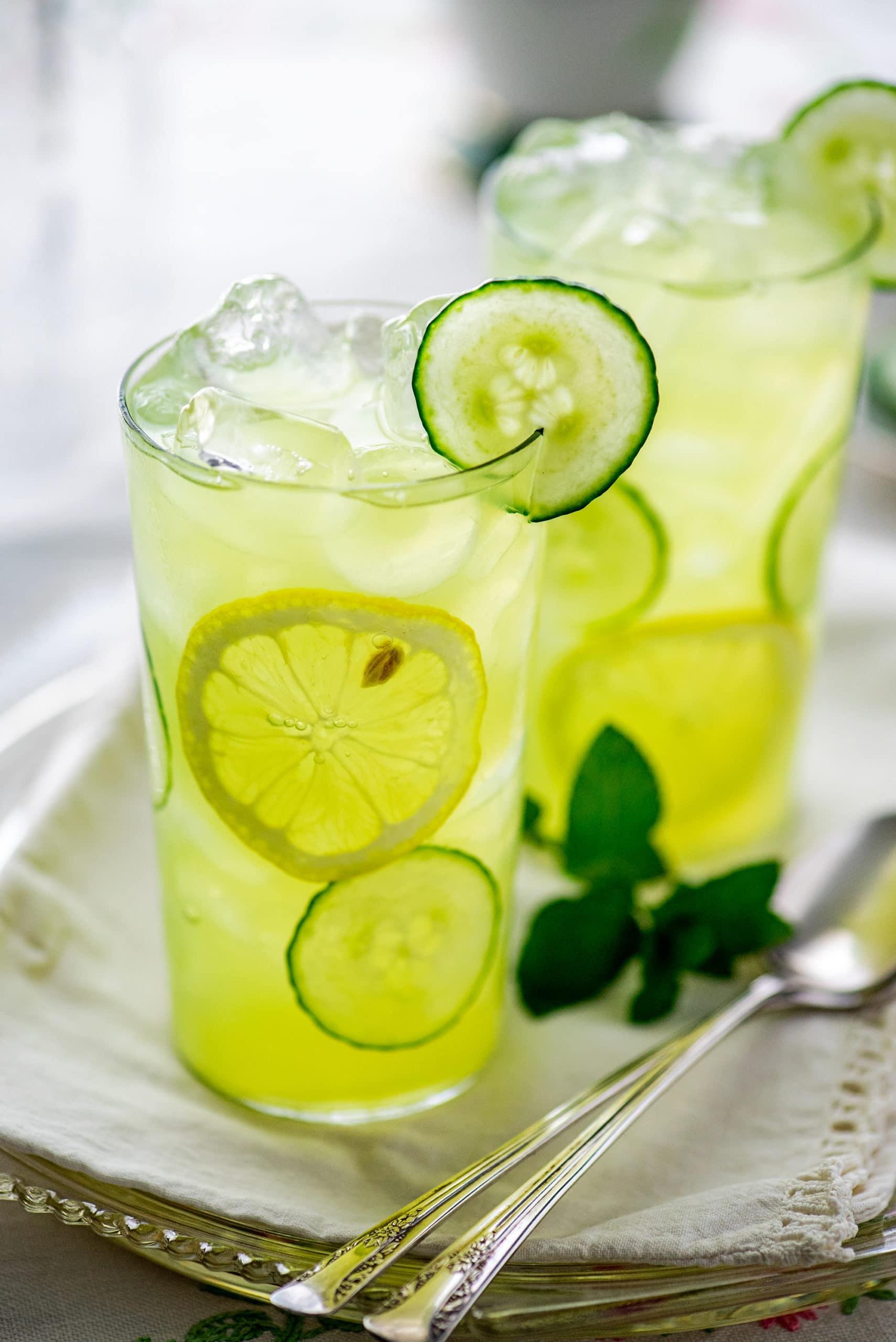 Cucumber Lemonade 7559 2 2000px scaled - The Best Homemade Berry Iced Tea