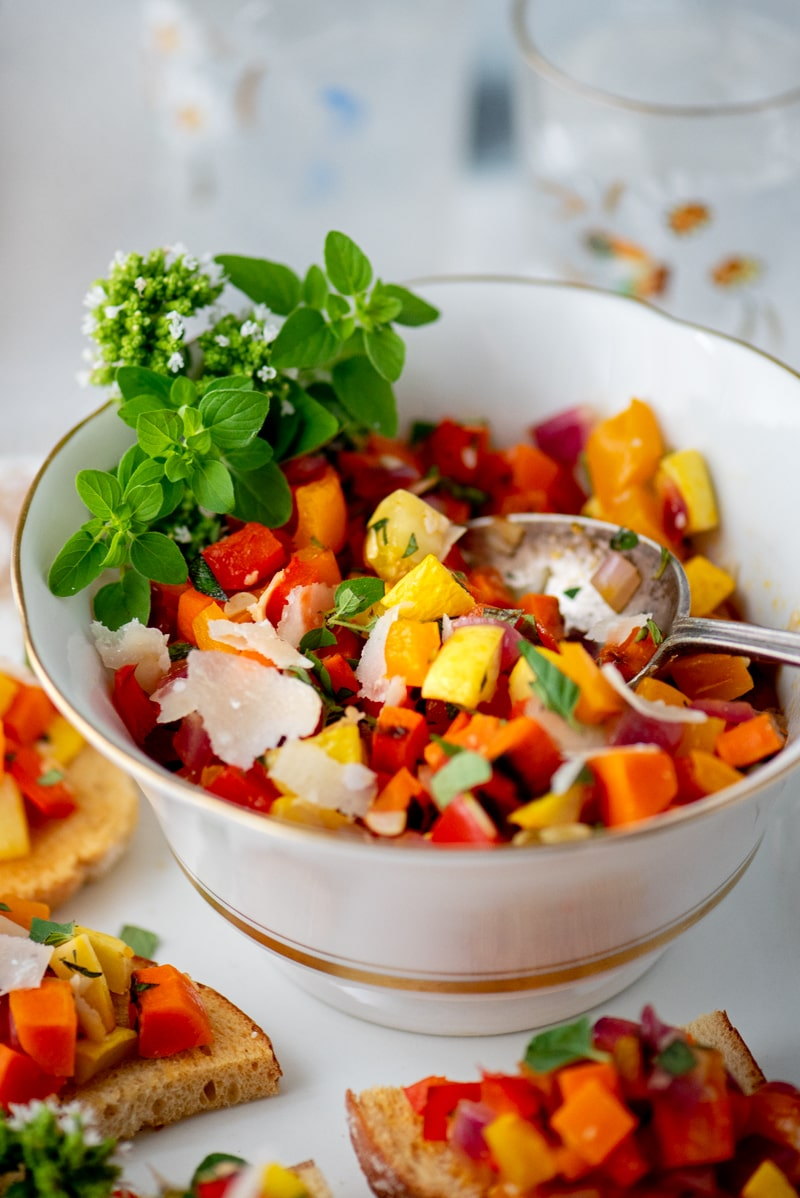 Vegetable Bruschetta 7878 800px - Vegetable Bruschetta with Peppers, Squash and Carrots