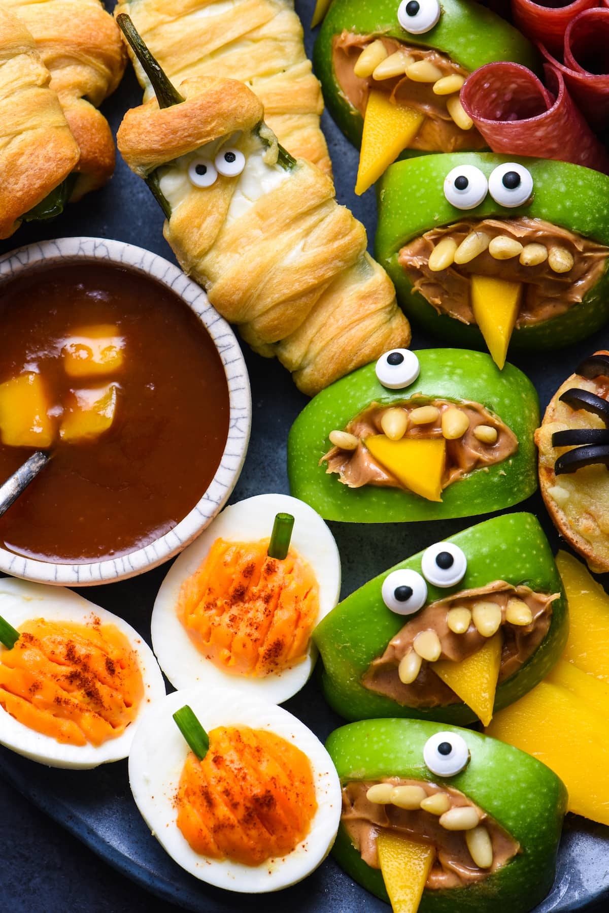 Easy Halloween Party Food 2 - Ghoulishly Good! Halloween Party Recipes and Ideas