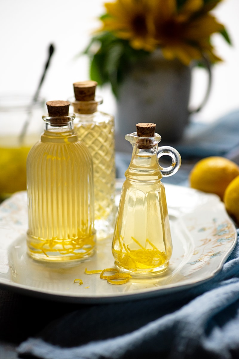 Lemon Vinegar 2 8984 800px - Homemade Lemon Vinegar
