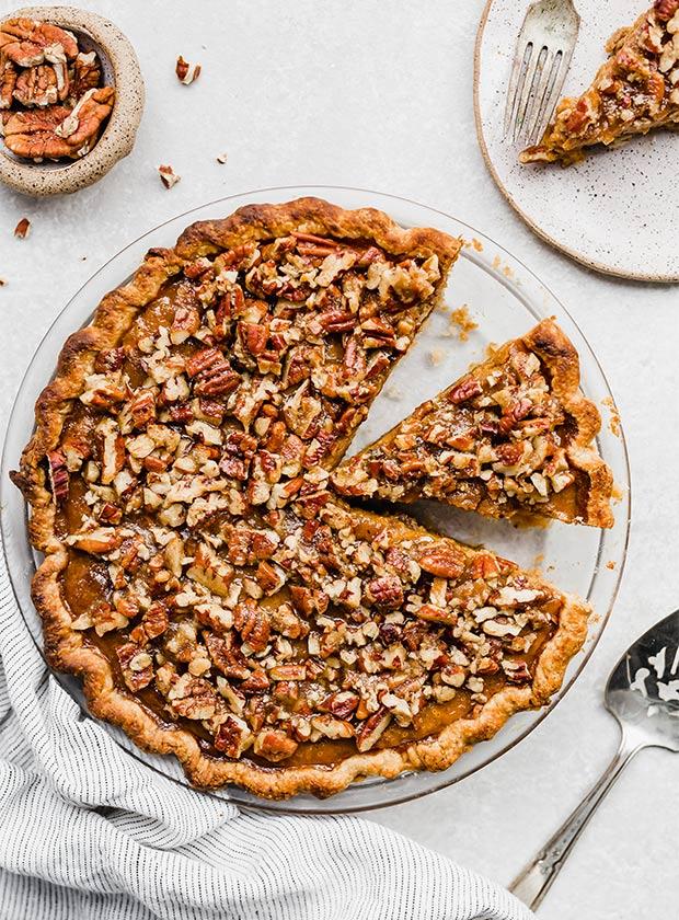 praline pumpkin pie recipe2 - Mouthwatering Thanksgiving Menu Ideas